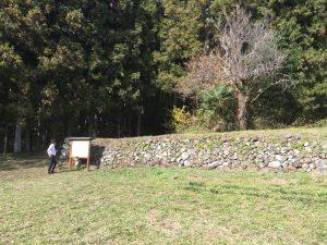 潜竜院跡 勝頼を迎えるために作った屋敷跡の石垣